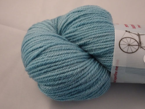 Blue Teal 8ply White Gum Wool